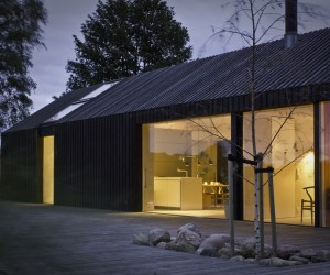 Black Bright House in Denmark by Jan Henrik Jansen