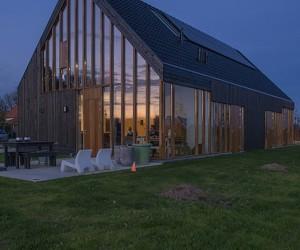 Blackbird by Onix Architects
