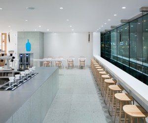Blue Bottle Coffee Shinagawa Cafe by Schemata Architects
