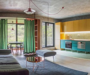 Brasov Apartment with Intense Interior Atmosphere and Saturated Colours