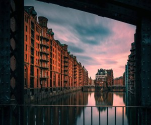 Breathtaking Street Photos of Hamburg by Boris and Sandro Erceg