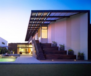 Built for the Socialite: Yin-Yang House Strikes the Perfect Spatial Balance