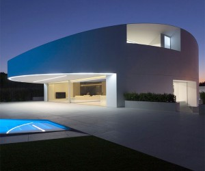 Casa Balint by Fran Silvestre Architects