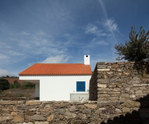 Caseiros House by SAMF Arquitectos