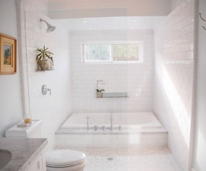 Caulk Your Tub in a Few Easy Steps