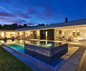 Chalette Drive Estate by Gordon Gibson Construction