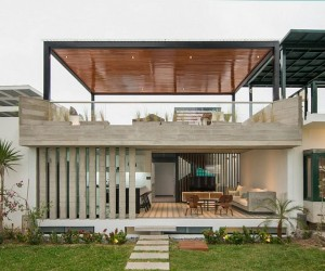 Chic Seasonal Beach House in Peru Maximizes Outdoor Living Space