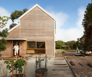 Chicory kiln converted into a family beach home