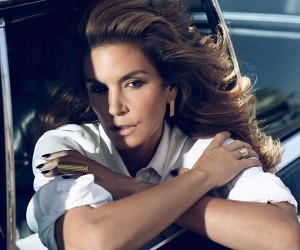 Cindy Crawford Reveals the Secrets Behind Her Ageless Beauty