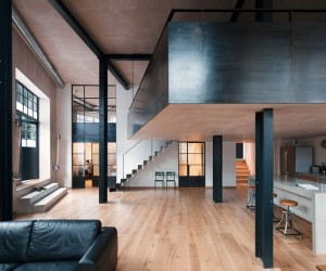 Clapton Warehouse by Sadie Snelson Architects