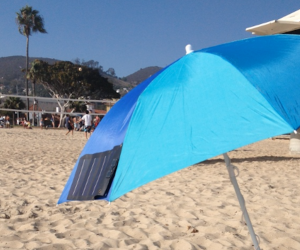 Clip-on Umbrella Solar Charger