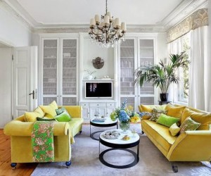 Colorful accents in a classic apartment in Poland