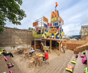 Colorful pop-up caf in London