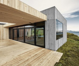 Concrete and Wood Summer House in South Iceland