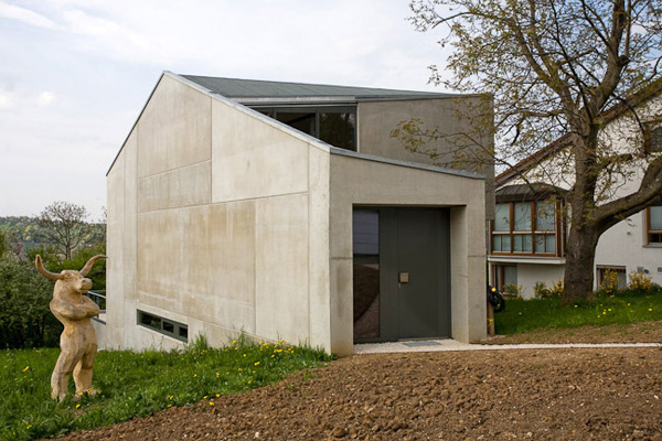 Concrete One Room House By Bruning Architekten
