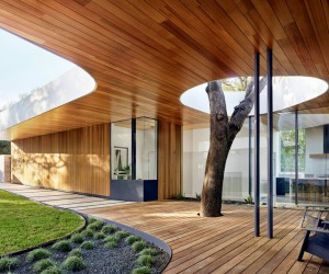 Constant Springs Residence, A Home Built Around a Tree