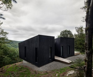Contemplative Cliffhanger: Minimal Canadian Cabin Takes Your Breath Away