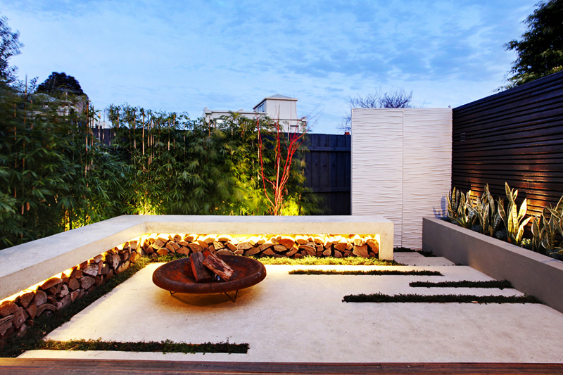 Contemporary Backyard Design By Signaturelandscapes Enchanting Modern Backyard Design