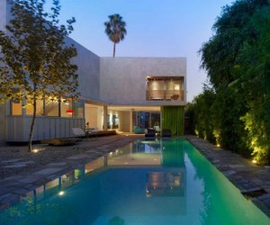 Contemporary California Living: Norwich Drive Residence