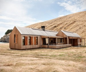 Contemporary farmhouse by Patterson Associates