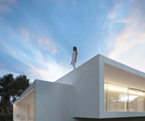 Contemporary House Designed by the Spanish Firm Fran Silvestre Arquitectos