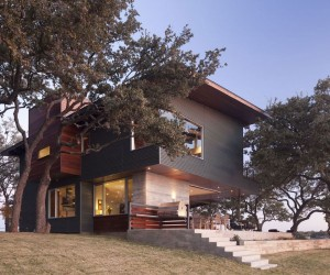 Contemporary Lake Retreat by Dick Clark Architecture