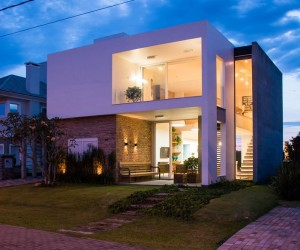 Contemporary residence by ESTUDIO 30 51