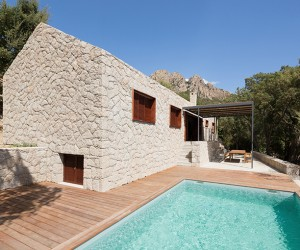 Contemporary Vernacular: a holiday house in Corsica