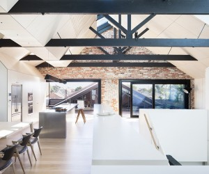 Converted Warehouse in Fitzroy by Andrew Simpson