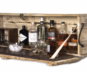 Cool Wooden Storage For Your Favourite Liquor