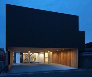 Court by Tsubasa Iwahashi Architects