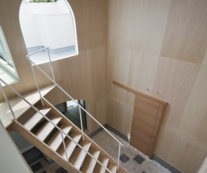 Courtyard of Kudamatsu by Container Design