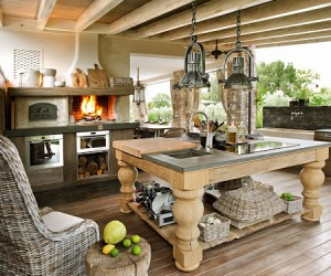 Cozy Italian home with natural finishes