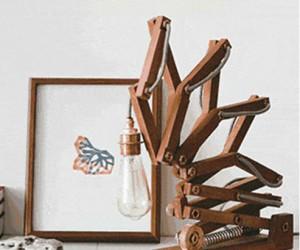Crane: Kinetic Lamp