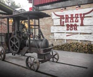 Crazy BBQ  original country complex with industrial-vintage style
