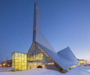 Church Transfromed into Library | Dan Hanganu & Cote Leahy Cardas Architectes