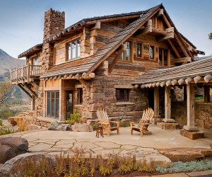 Dancing Hearts: Picture-Perfect Hillside Escape in Montana
