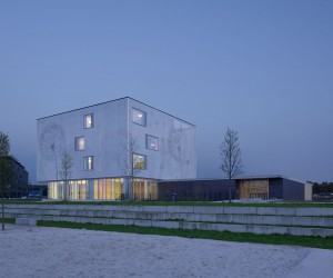 Daycare and Community Center by (se)arch Architekten