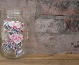 Decoupage techniques: glass jar