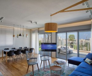 Delineating Space Effortlessly: Urbane Penthouse Apartment in Israel