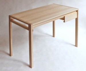 Desk by Sebastian Erazo Fischer