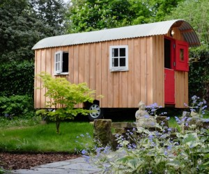 DIY: A Hut on Wheels
