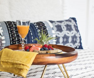DIY Breakfast and Serving Trays to Bring More Comfort into Your Life