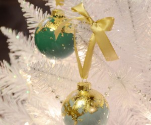 DIY Gold Leaf Holiday Christmas Tree Ornaments