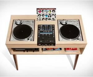DJ Stand | by Atocha Design