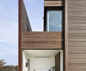 Dramatic Landscape and Ocean Views Shape the Sagaponack Residence