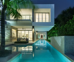 Dramatic Miami Residence Offers Luxury Draped in Coastal Beauty