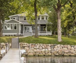 Dreamy Lakeside Getaway Nestled On The Shores Of Lake Minnetonka