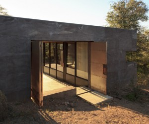 DUST Builds An Off-Grid Home in Arizona