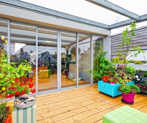 Dynamic Dutch Apartment Wows with Adaptable Roof Terrace